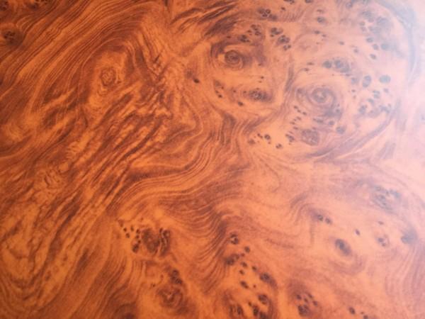 115x70cm Wortelnotenhout look - zelfklevende folie -Einde rol