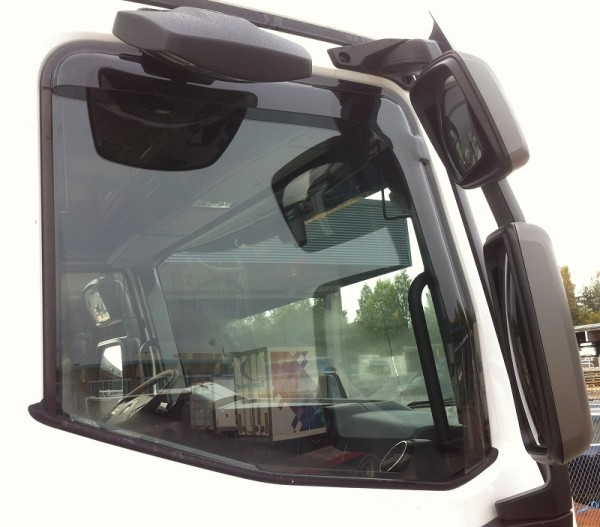 Side Window Deflector Renault T-series
