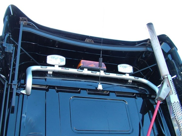 4 / R Series Sleep Cab Bakbar Aluminum