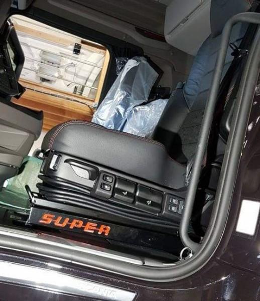 Stoelverlager Scania Nextgen + Logo SUPER